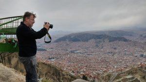 Martin verewigt Blick über La Paz, Bolivien