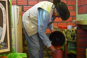 Tarija San Lorenzo Don Fernando macht Obst-smoothie