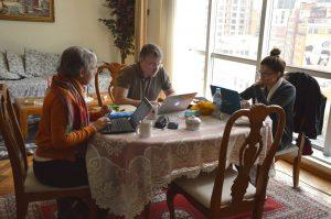 Kerstin, Martin & Ana María bei der Arbeit in La Paz, Bolivien